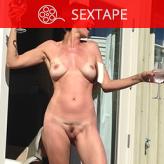 Nackt Elizabeth Lande  Hot Leak