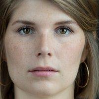 Anne Figgs  nackt