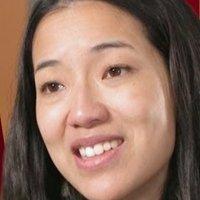 Elizabeth nackt  Lam Nguyen Fiona Ngô