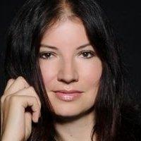 Blazkova  nackt Katerina Kaley Cuoco