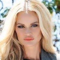 Vaughn-Hulbert nackt Mashiah  Blonde Trickster