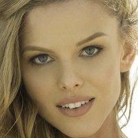 Scarlett Burke Nude