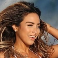 Yesenia Bustillo Nude