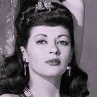 Yvonne De Carlo Nude