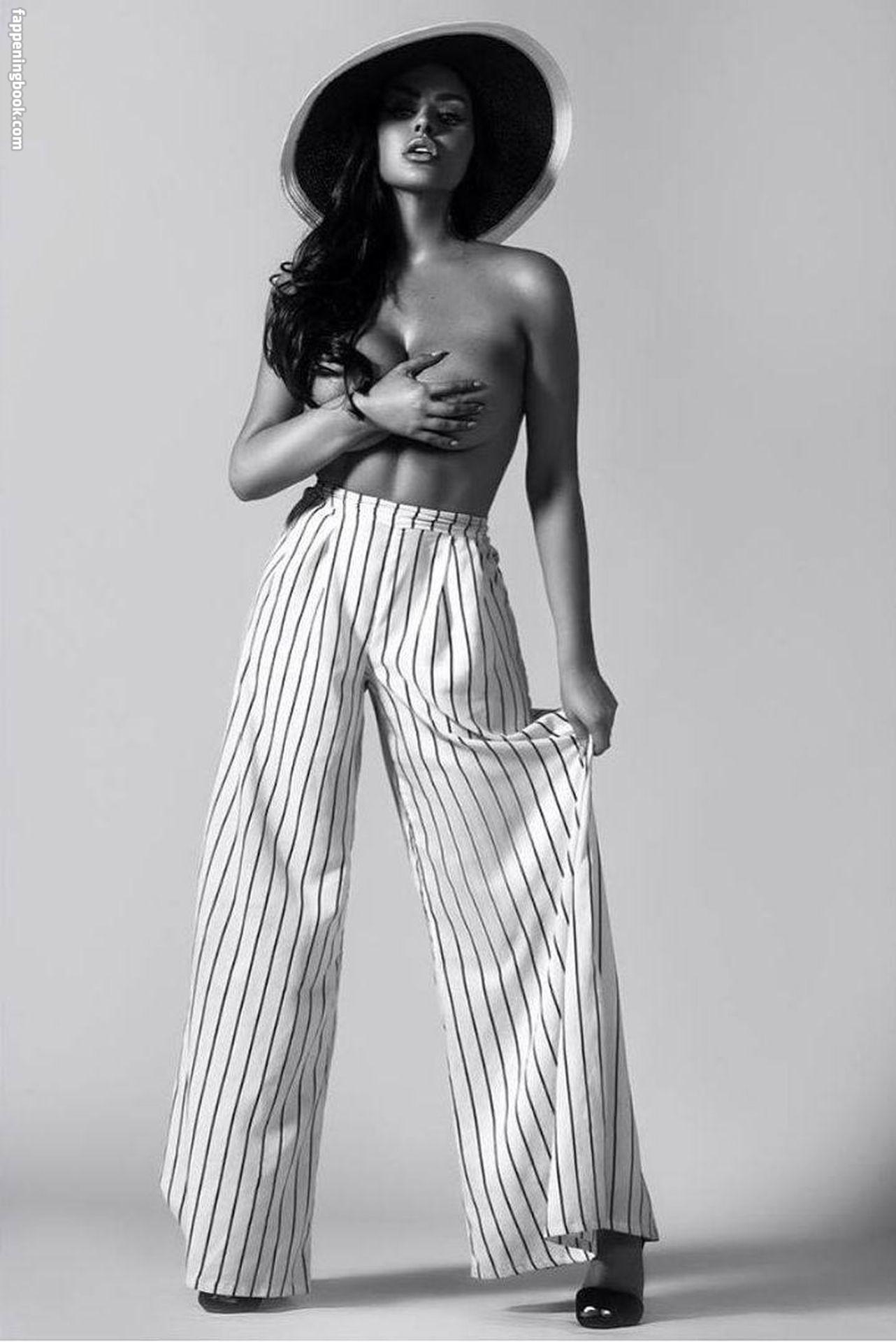 Beyoncé Sexy (12 Photos)_5d20c7ae8250c.jpeg | Pics Holder