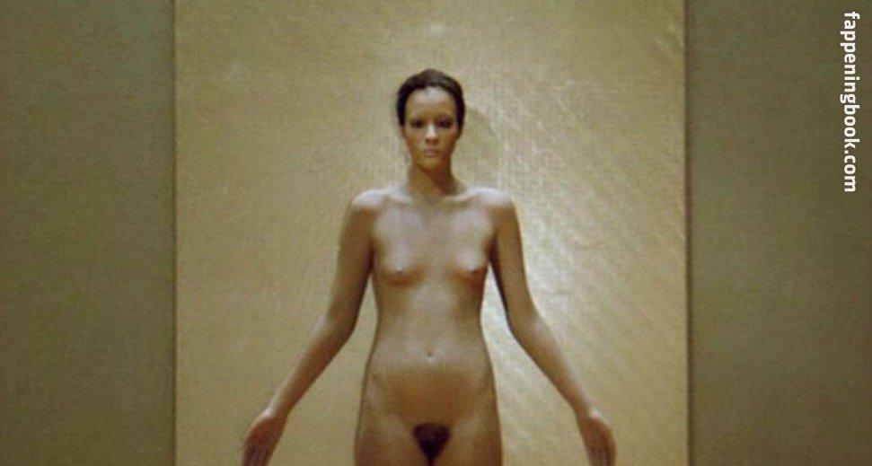 Elizabeth Malisov  nackt