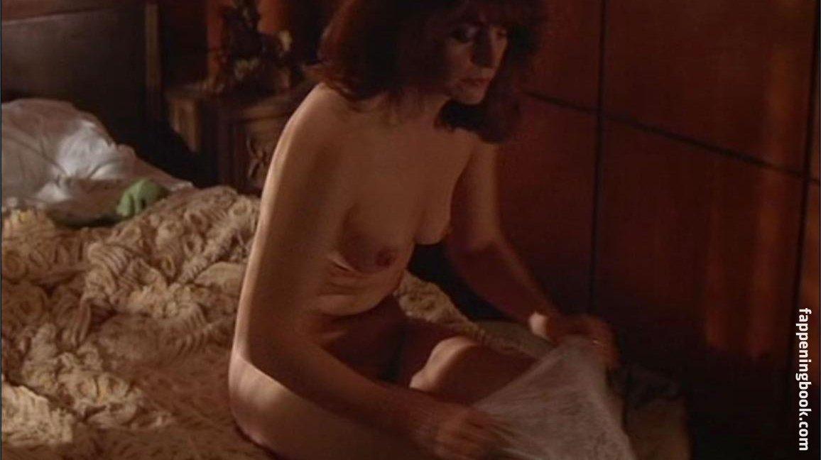 Janelle Marra  nackt