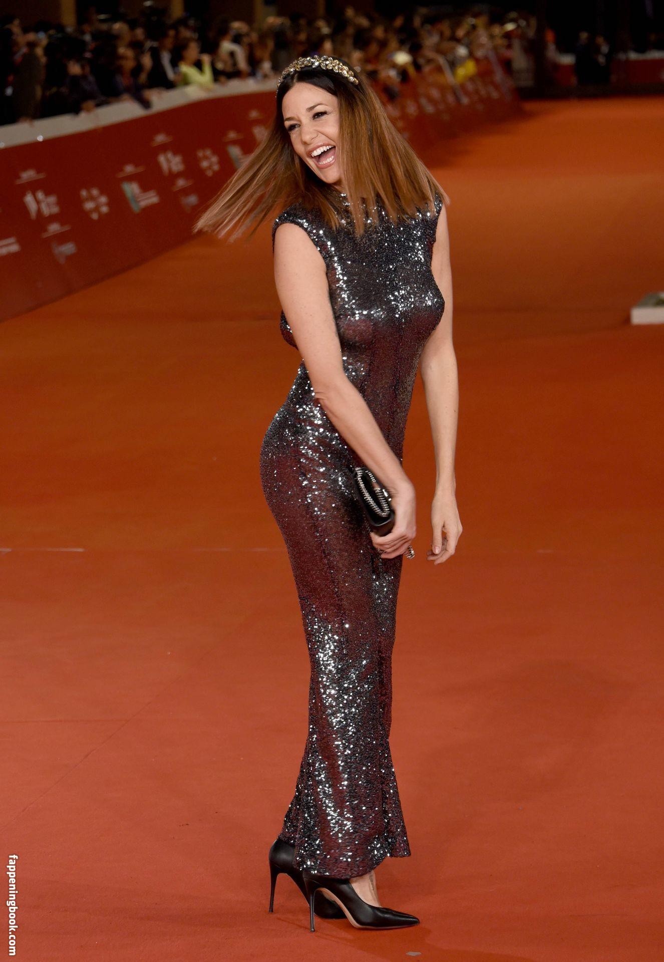 Alessia Fabiani Nude, Sexy, The Fappening, Uncensored