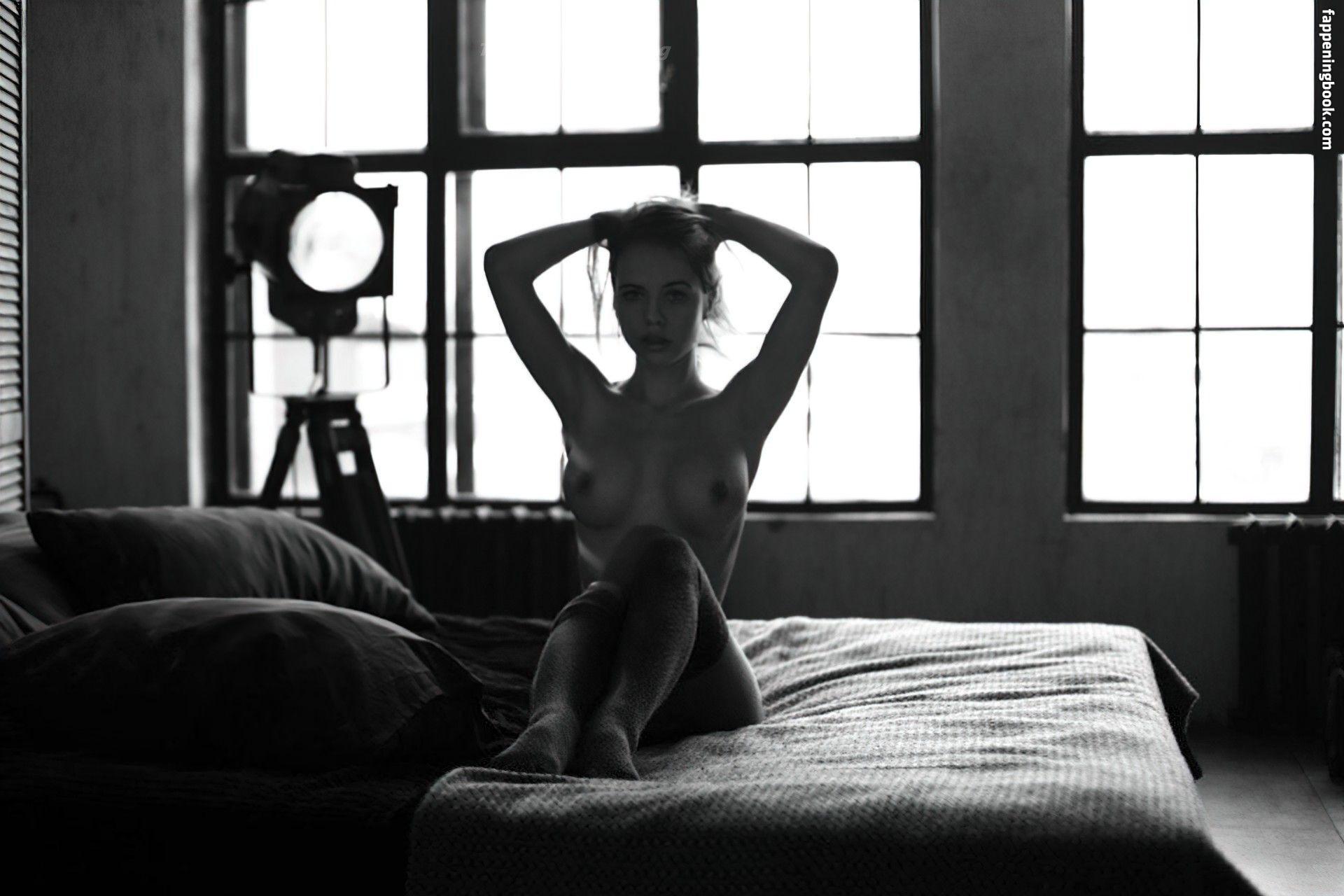 Amit nackt Machtinger Cindy Crawford