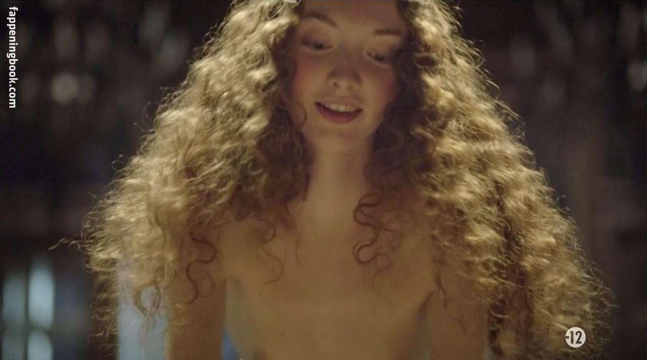 Alexia Giordano Nude