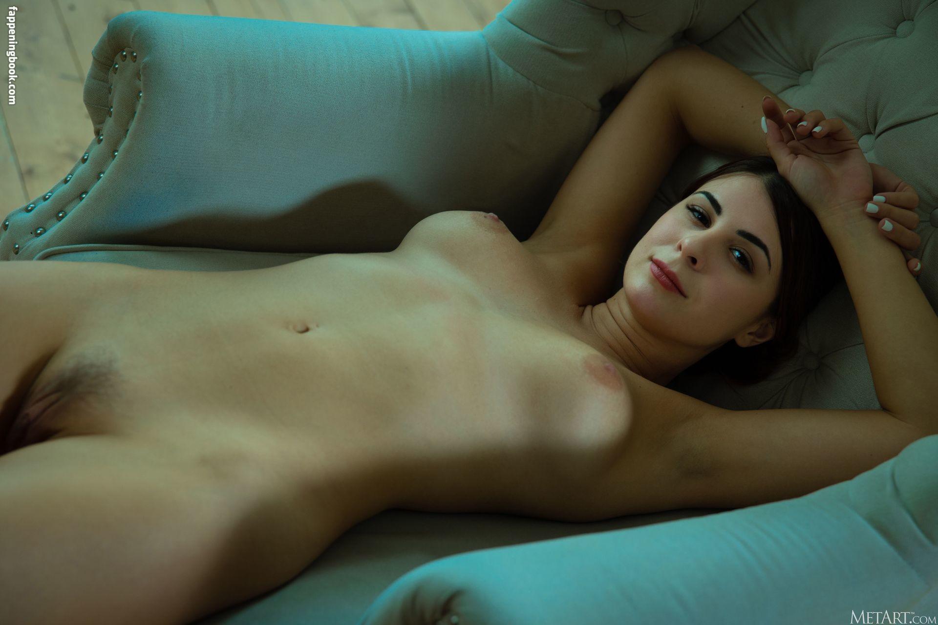 Alice Kelly Nude