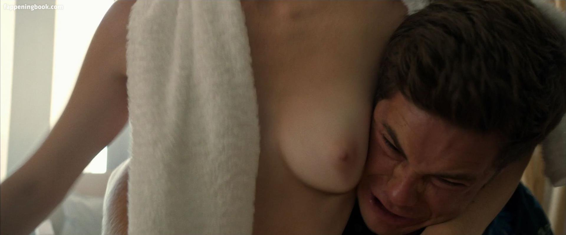 Alice Wetterlund Nude