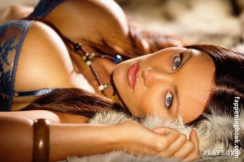 Aliya Wolf Nude