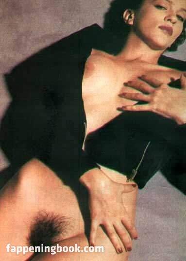 nackt Petrone Susanna In Loving