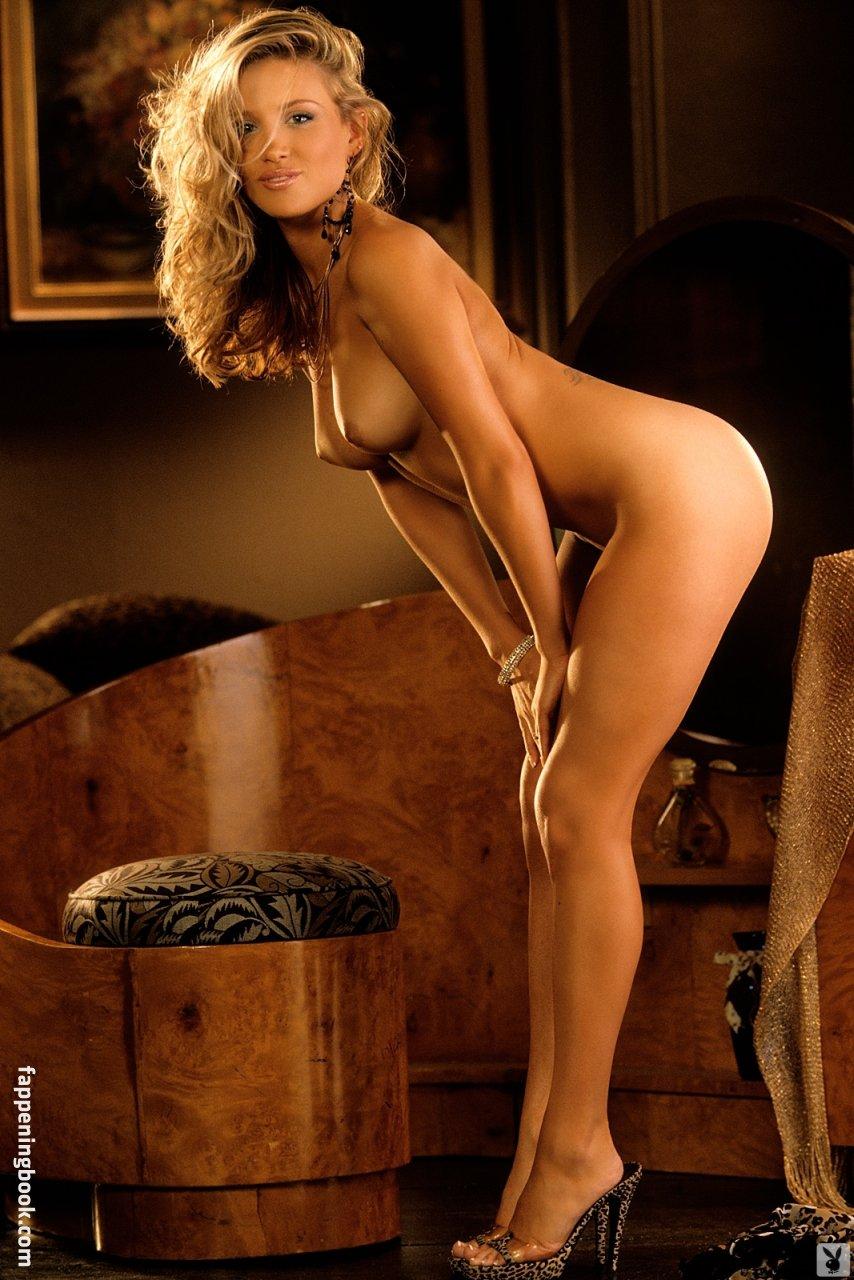 Amanda Byram Nip