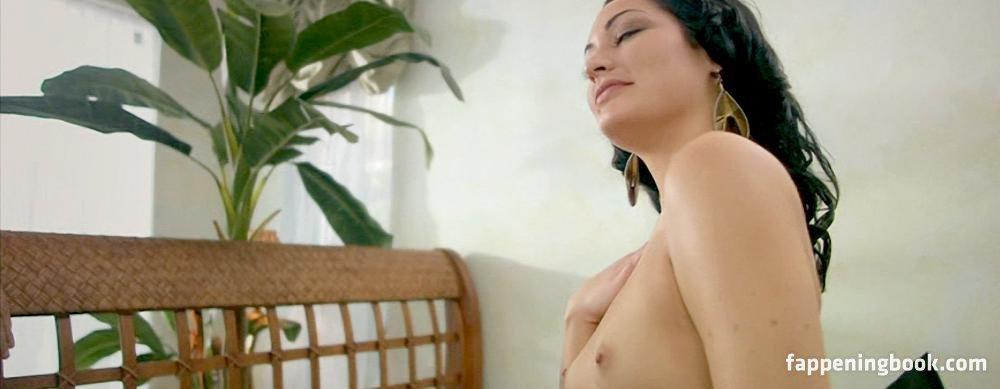 Amanda Kathryn Nude