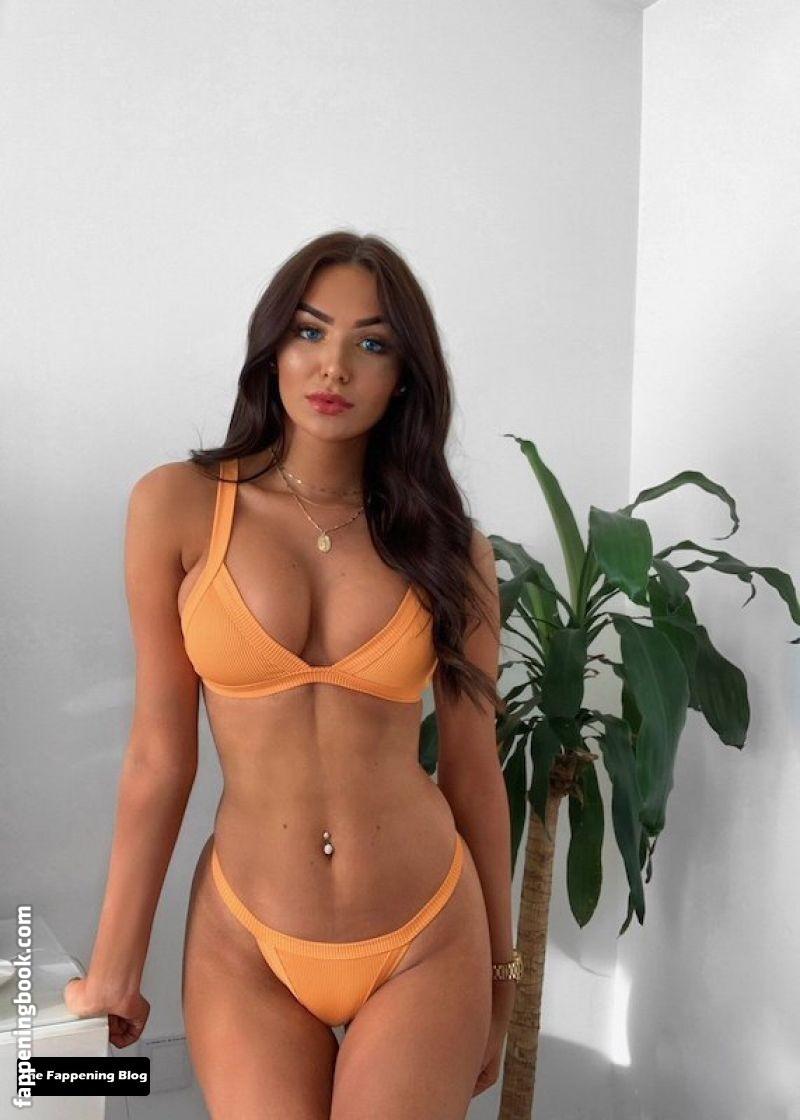 Amber Phillips Nude