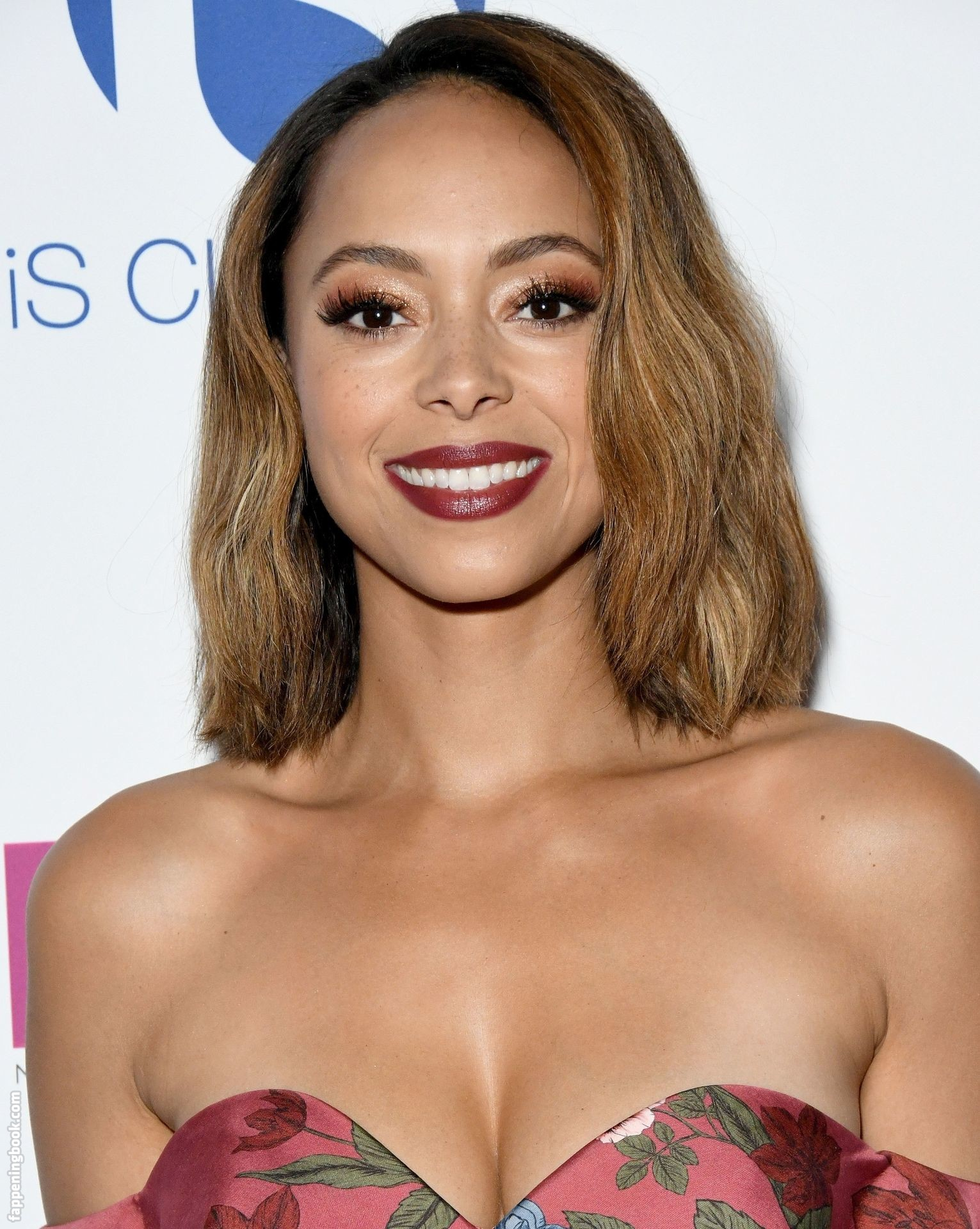 Amber Stevens West Nude, Sexy, The Fappening, Uncensored