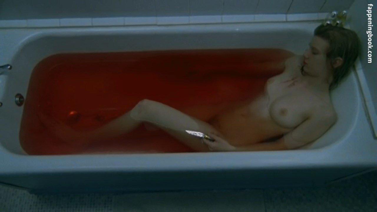 Endlich nude ella Ella Knox