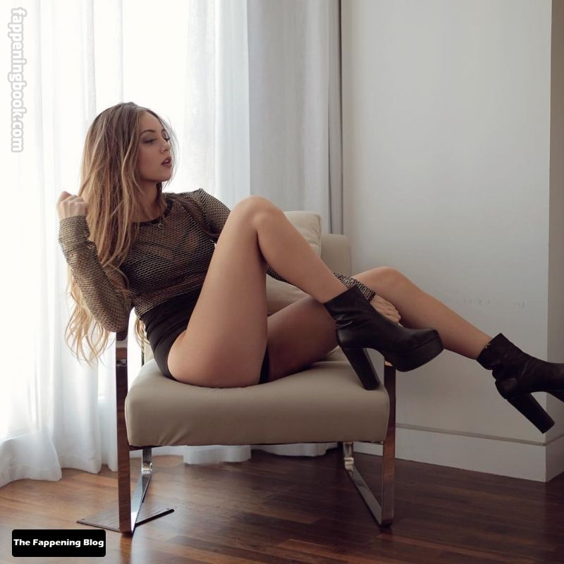 Ana Mena Nude