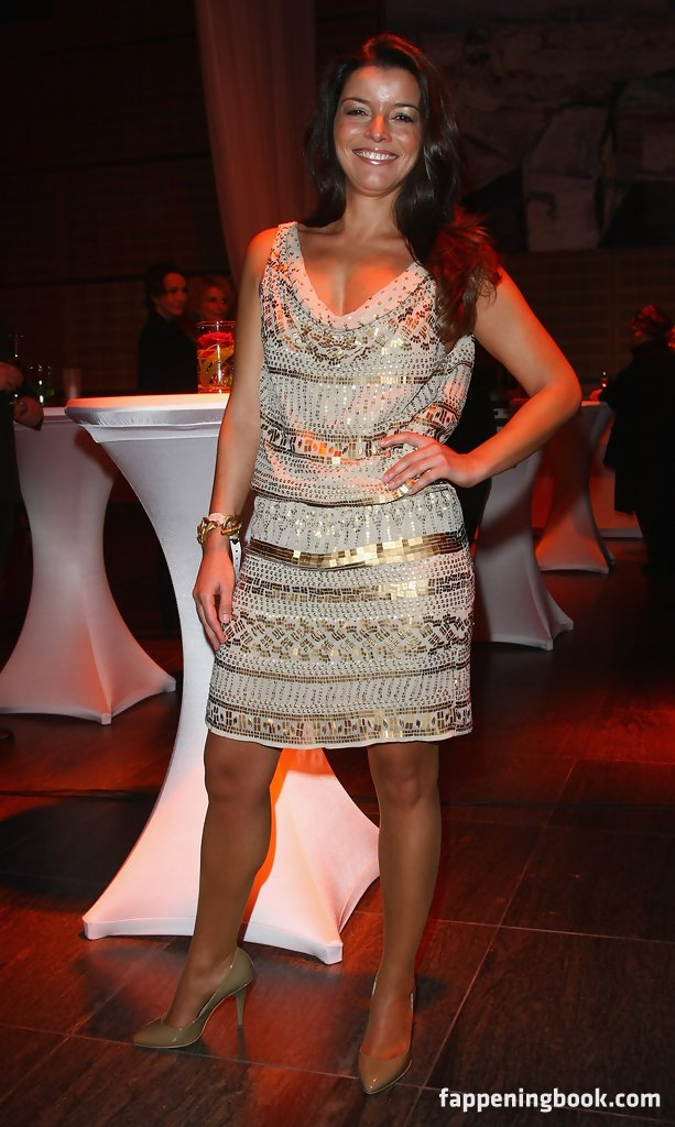 Nackt Clara Soria  Jungendliche (18+):