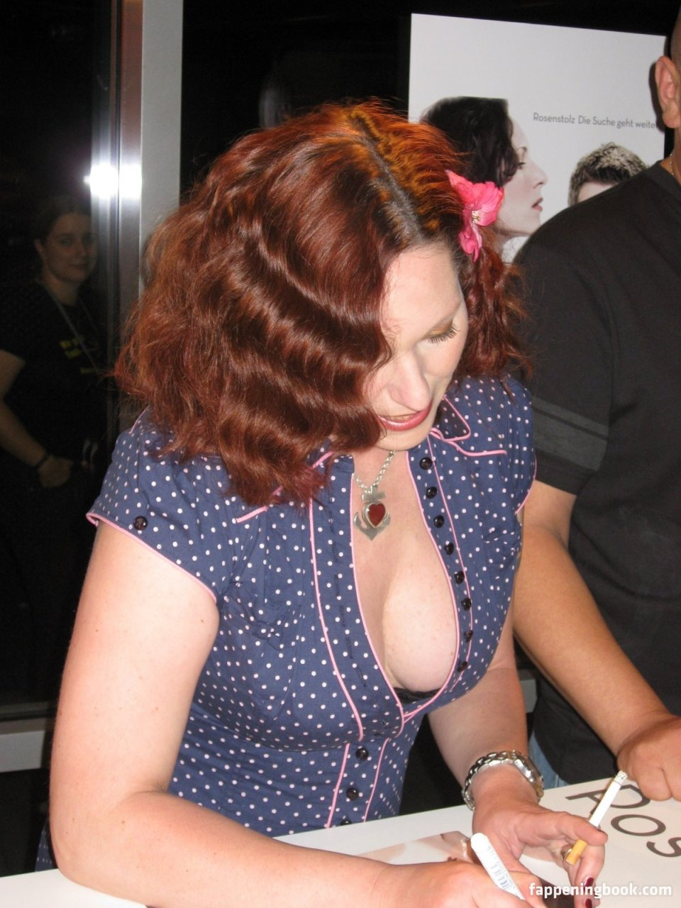 Nancy Tribush  nackt