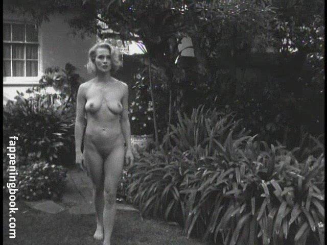 Andrea Thompson  nackt