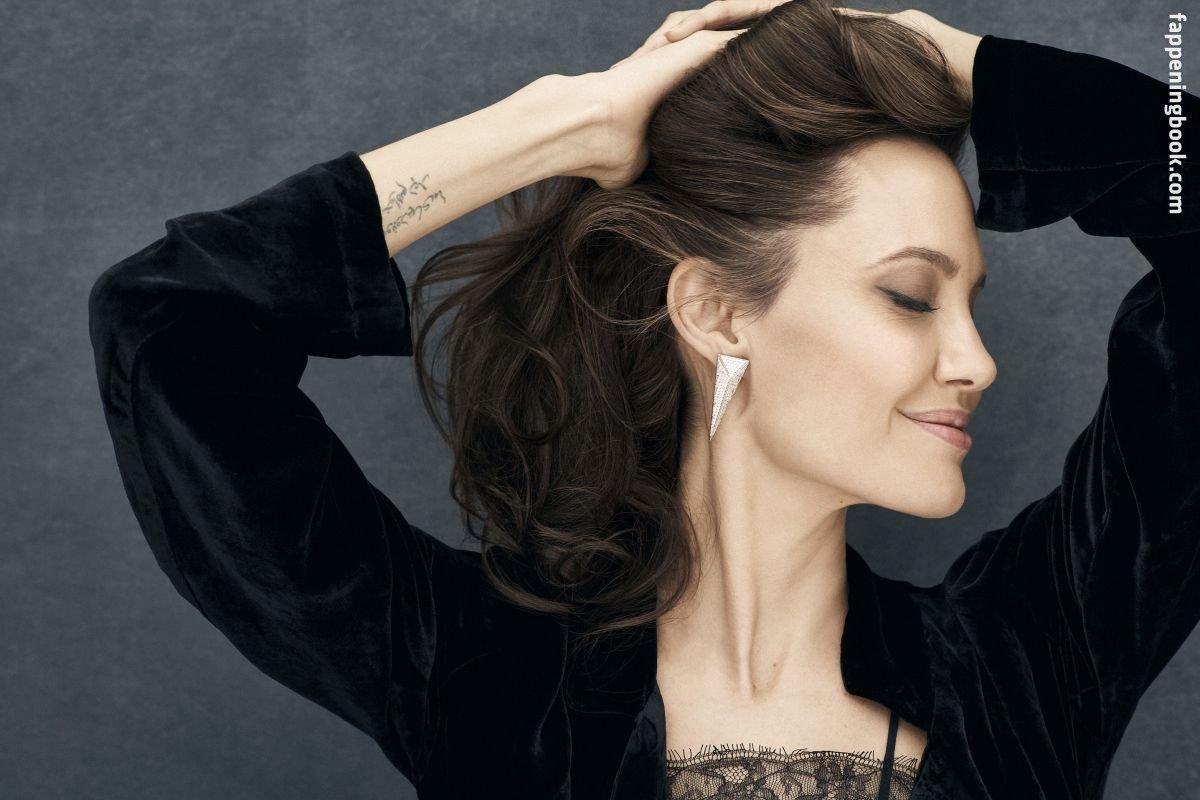 Celebrity Angelina Jolie Nude Hot Free Png