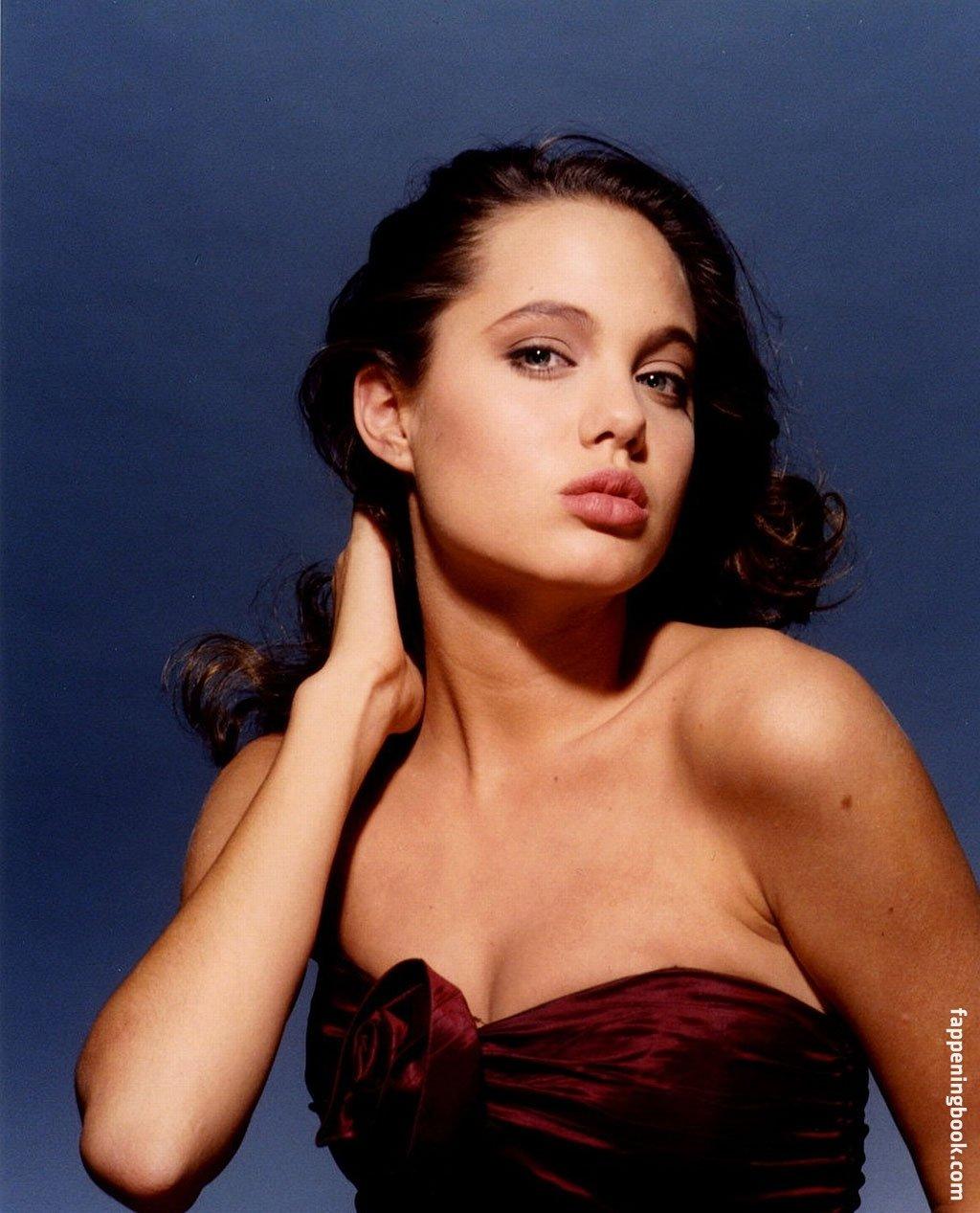 Celebrity Angelina Jolie Nude Hot Free Scenes