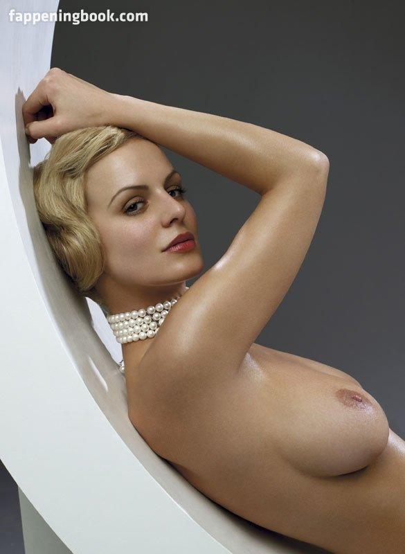 Klara Lisy  nackt