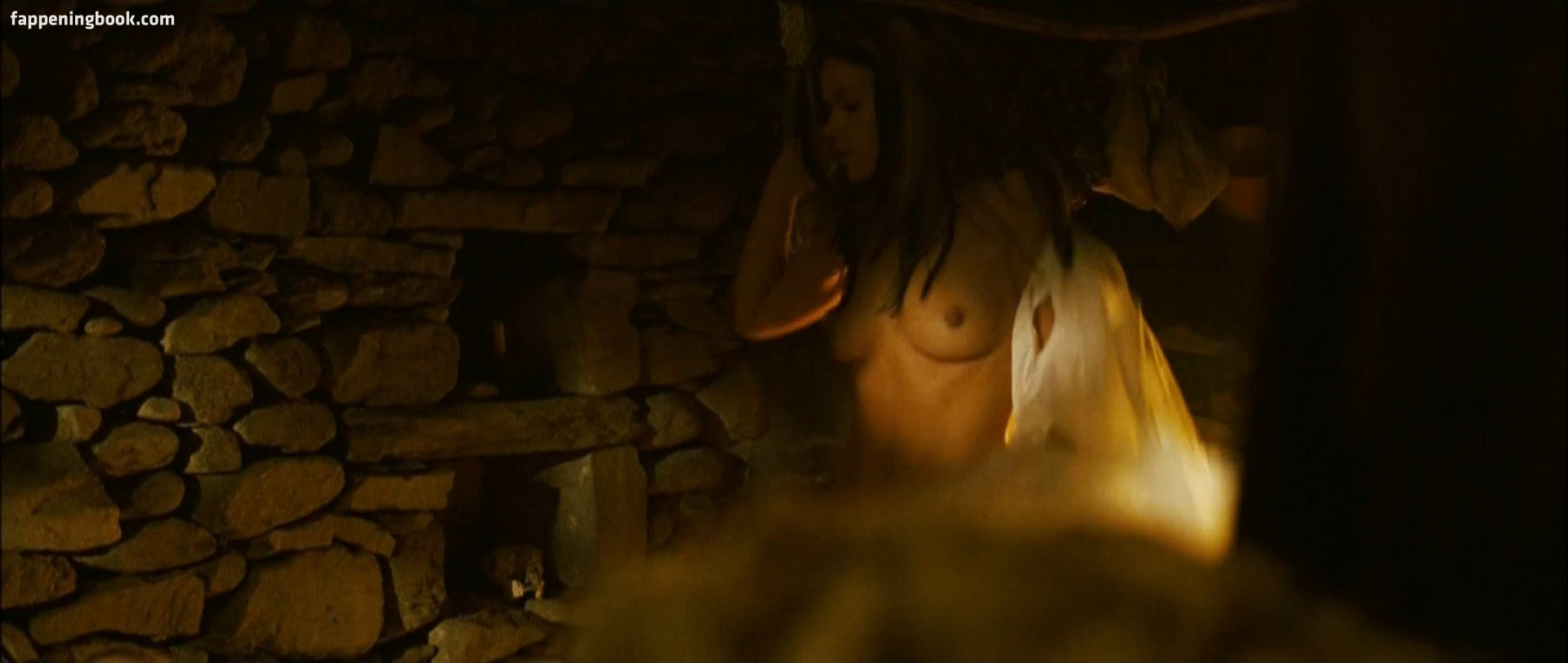 Jonell nackt Elliott Tomb Raider