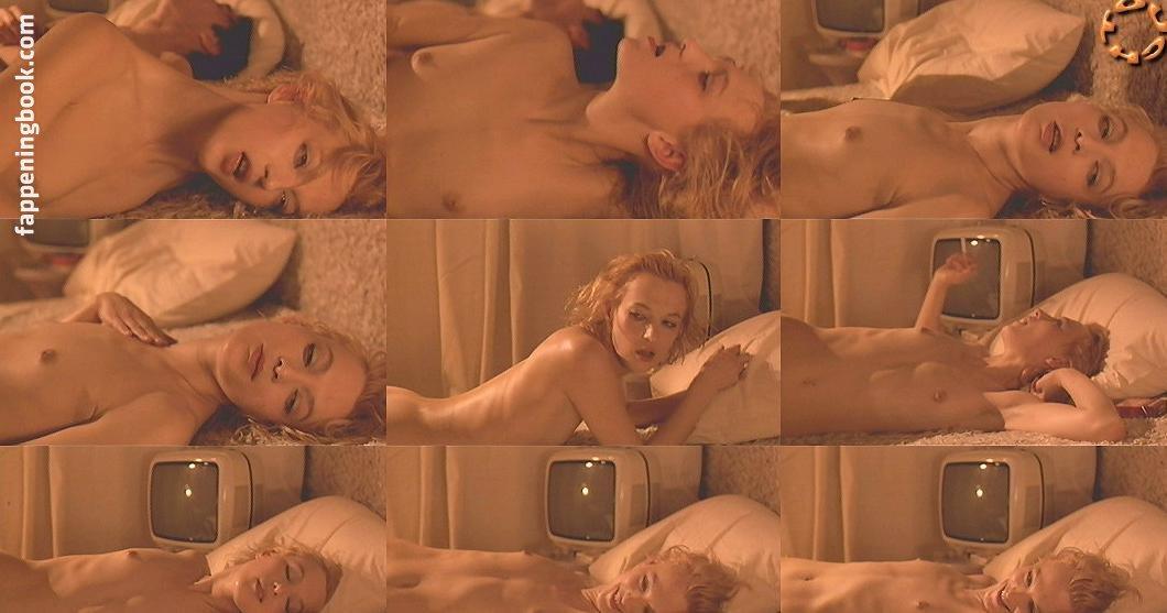 Mary Ann Jarou  nackt