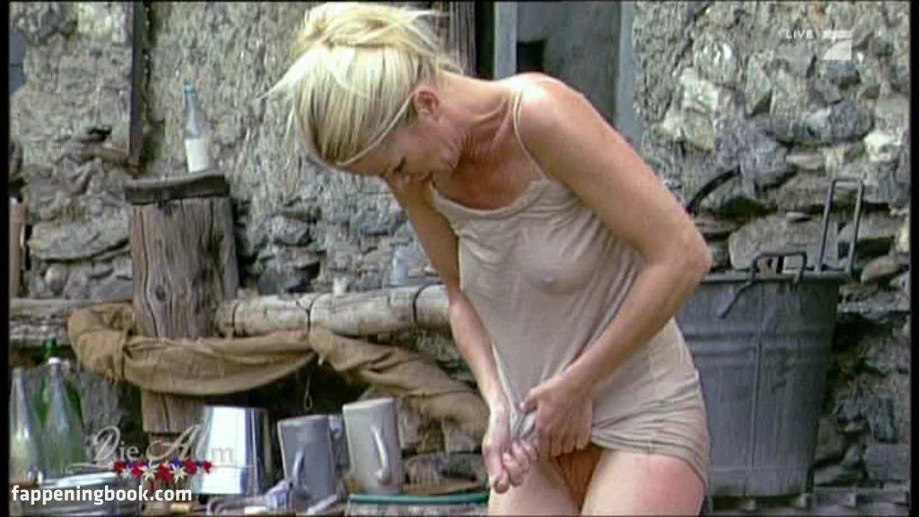 Doris Hick  nackt