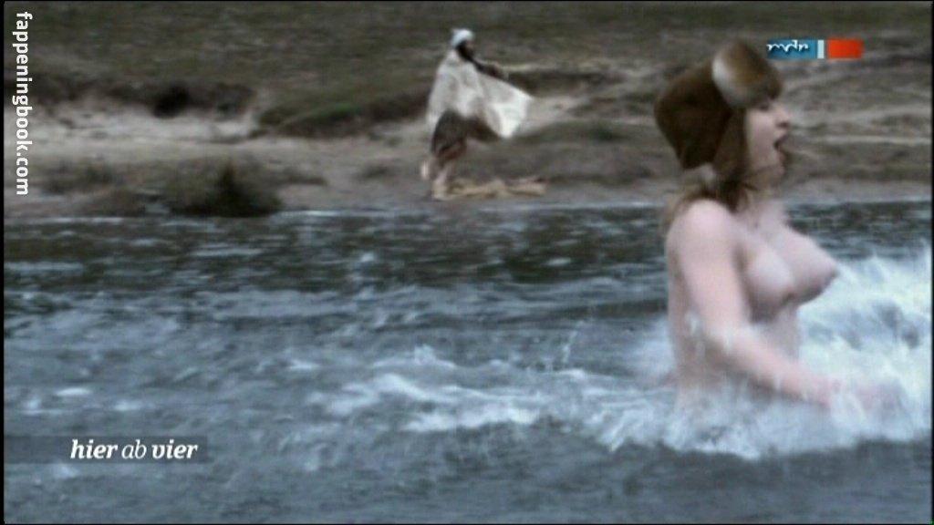 Mühe nackt maria miley cyrus