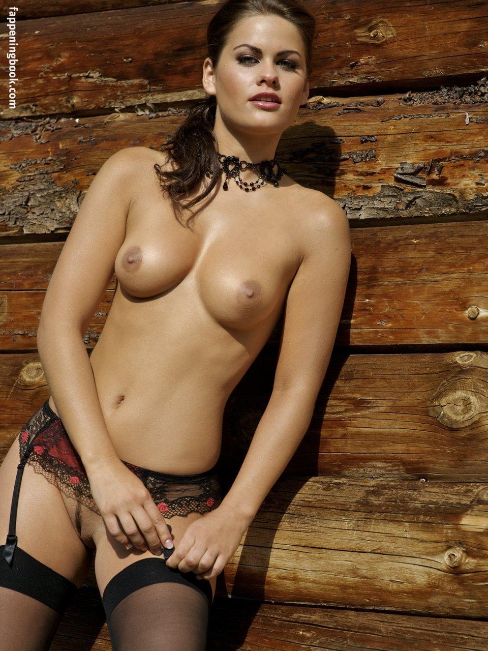 Anastasia Barzee  nackt