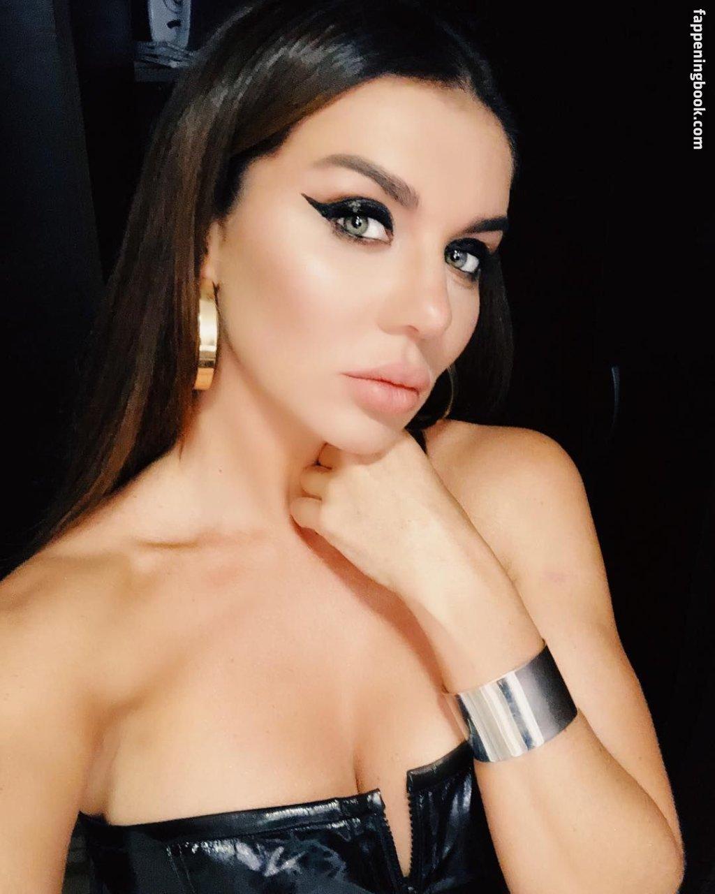 Kelly nackt Almeida Afonso De Blogger: Naudotojo