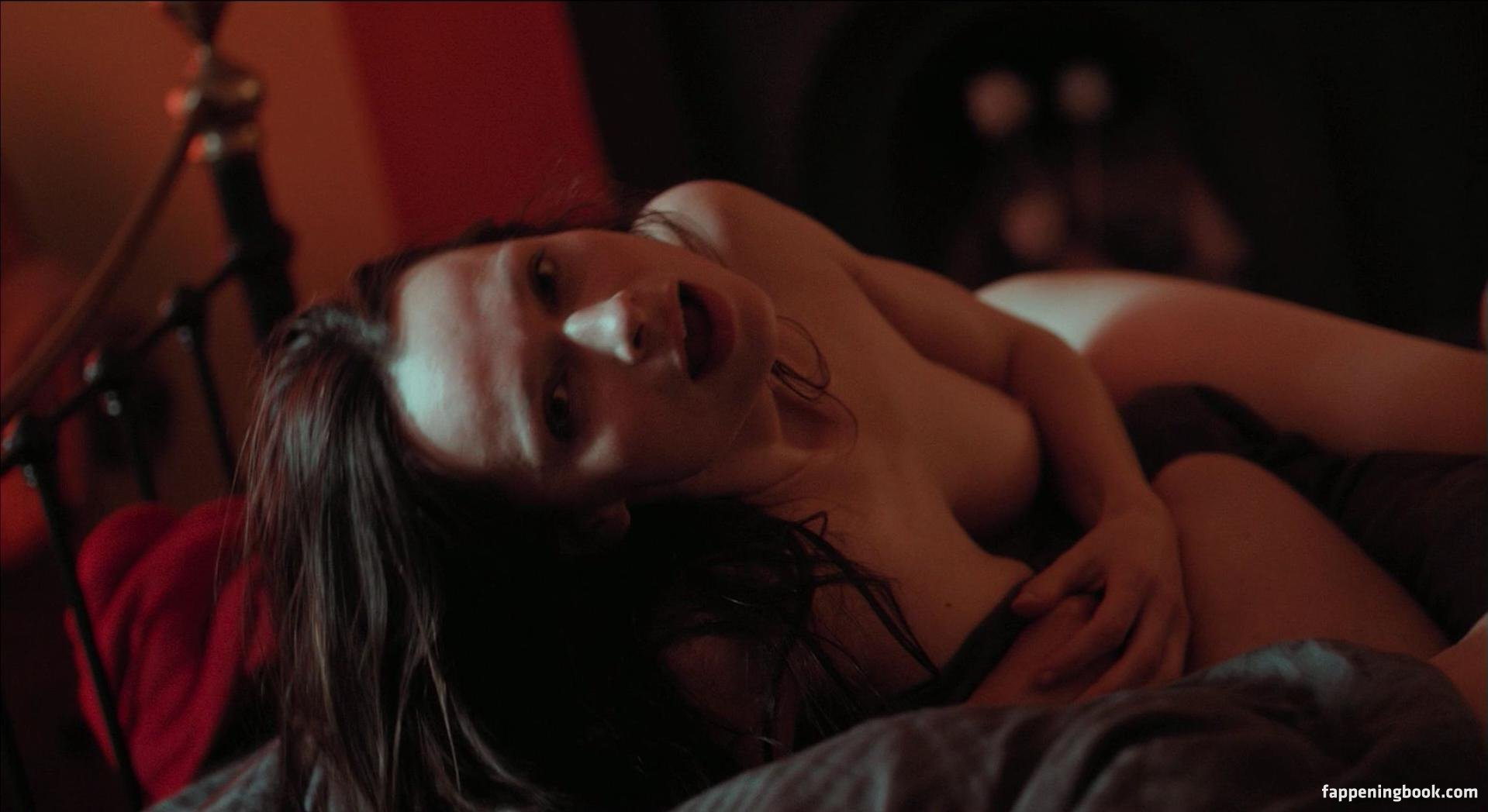 Amy Jo Johnson Nue anna walton nude, sexy, the fappening, uncensored - photo