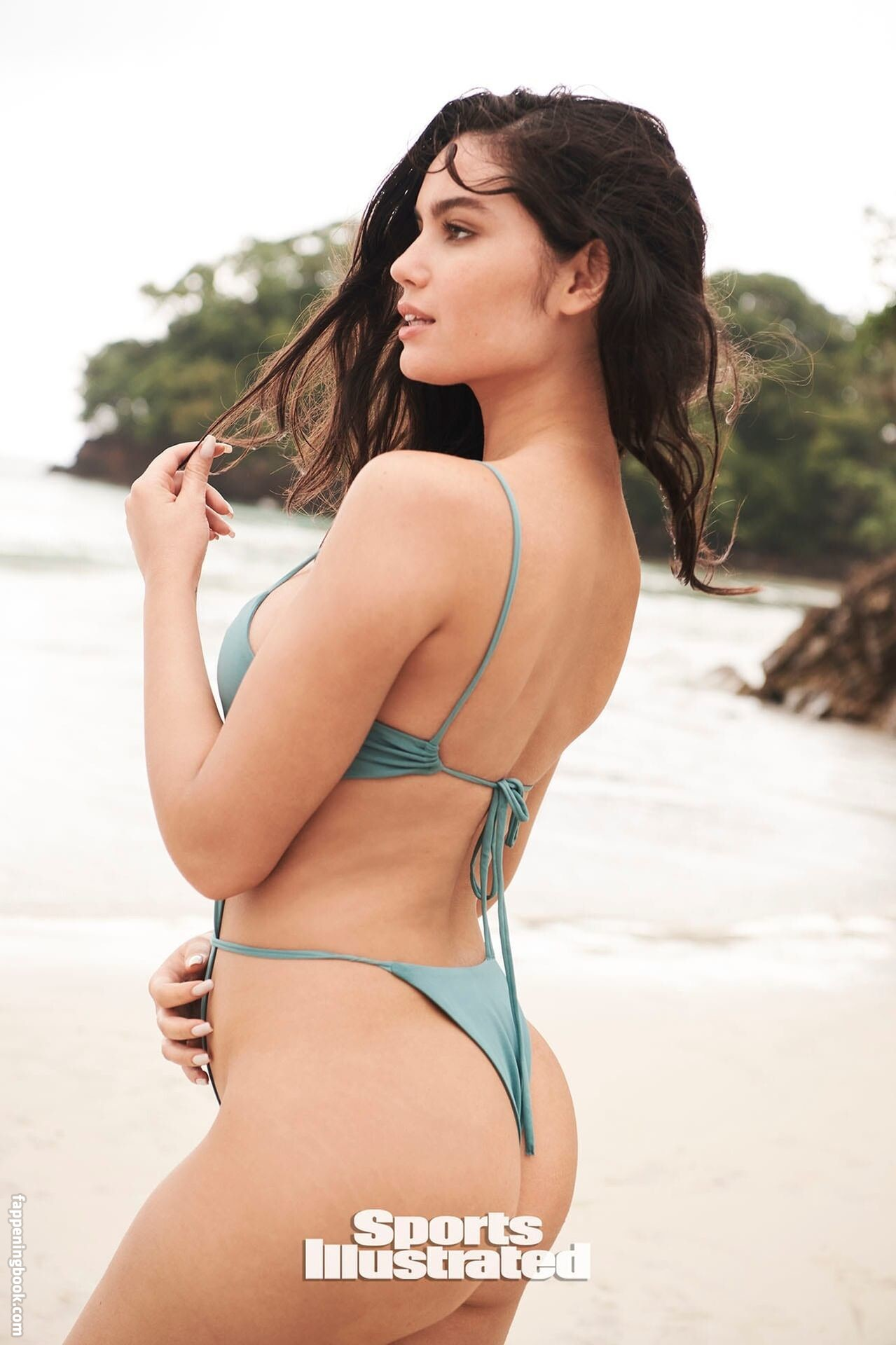 Juliana Urquisa  nackt