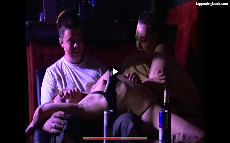 Holmes nackt Meredyth  Katie Holmes