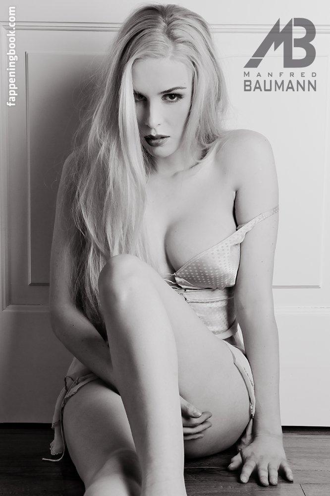 Ariane Sommer  nackt
