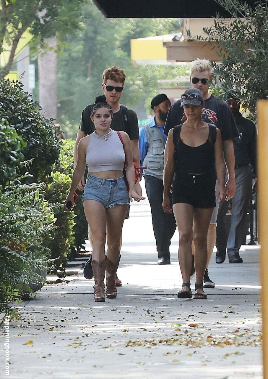 Ariel Winter Nude, Sexy, The Fappening, Uncensored - Photo