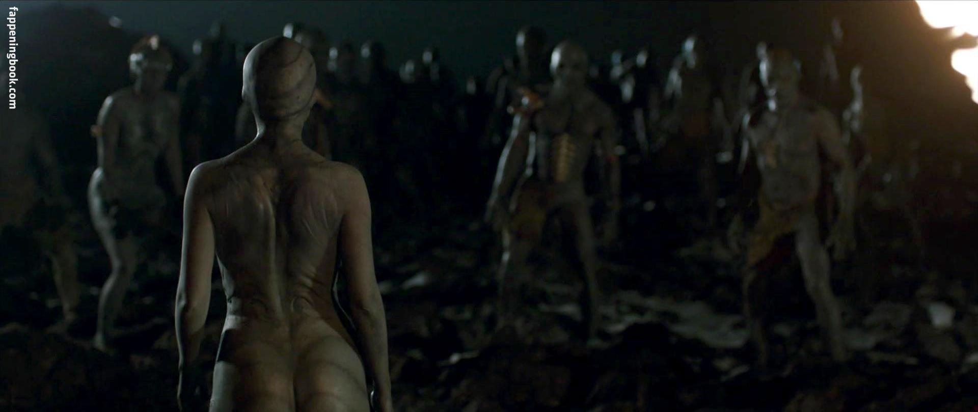 Nude aura garrido Aura Garrido