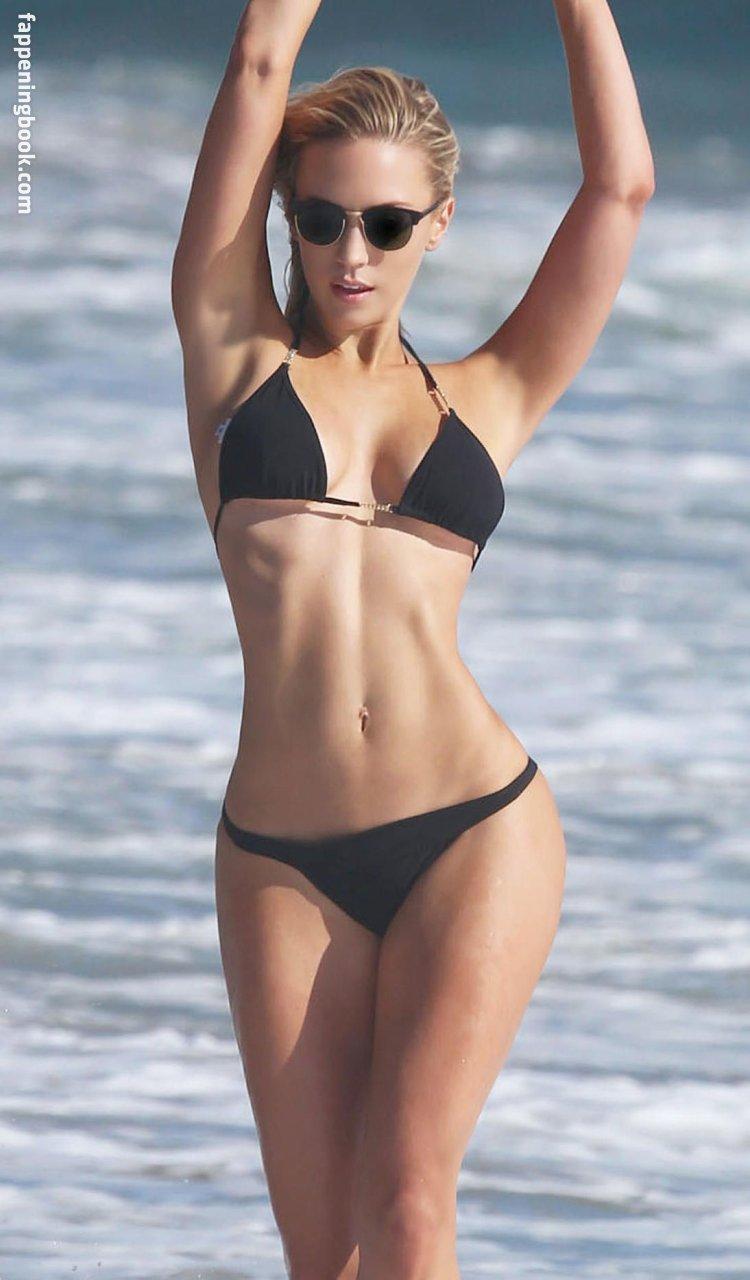Ava Lange Nude
