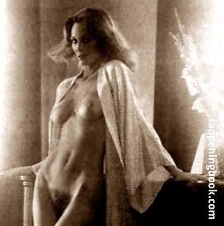 Nackt  Carolina Nezio Di Stars nackt,