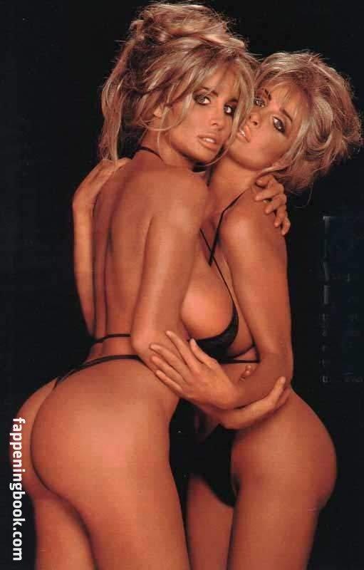 Naked woman selfie latina