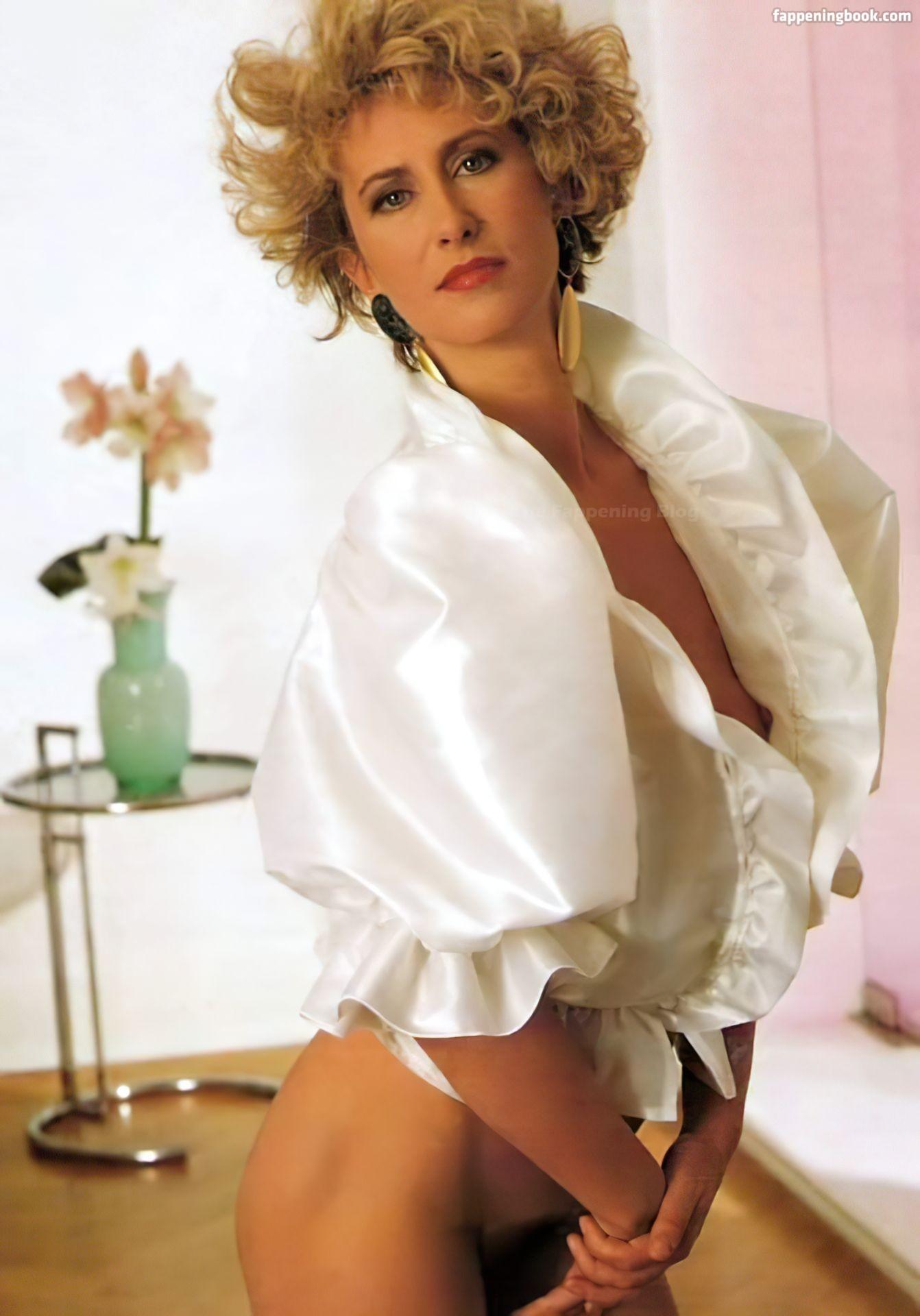 Iria Esteller  nackt