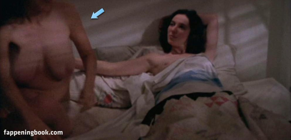 Betsy Julia Robinson Nude
