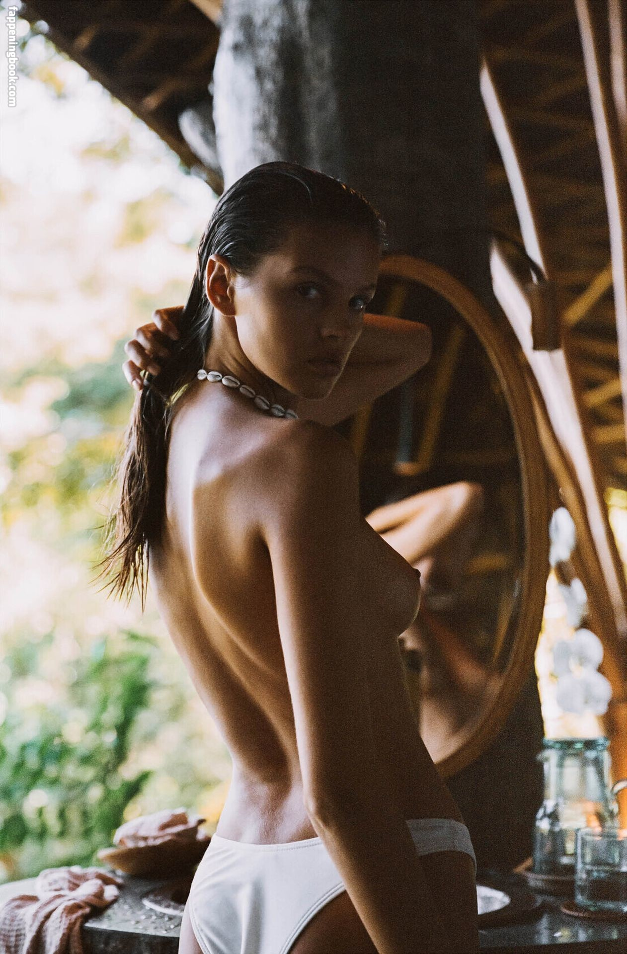 Bianca Mihoc  nackt