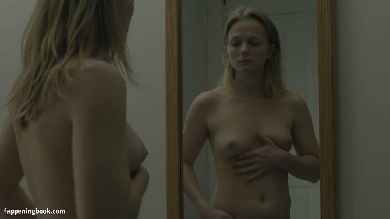 Manon nackt Klein Manon Porno