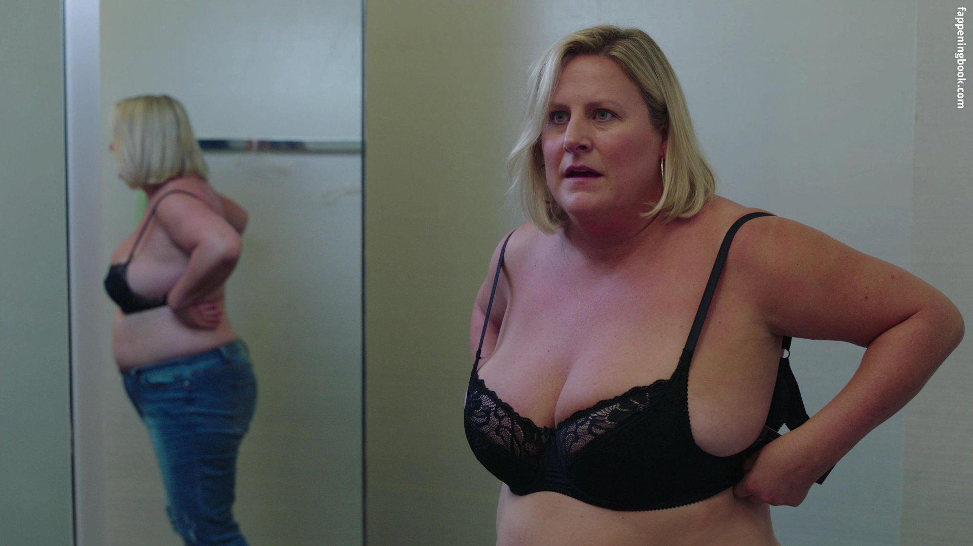 Nackt Bridget Everett  Bridget Everett